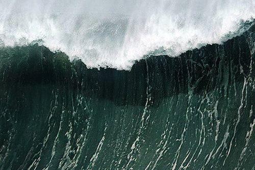 Rêve de vague, raz de marée